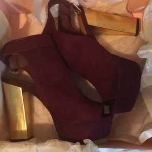 Size 9 Charlotte Russe suede heels